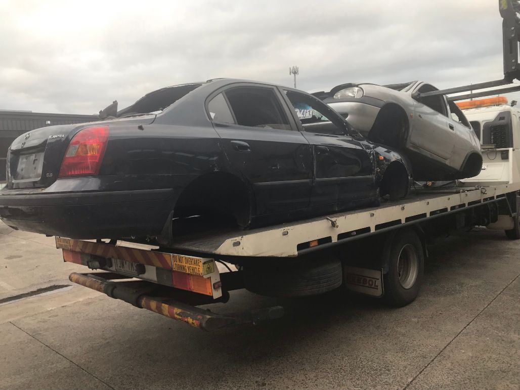 Cash For Cars Sydenham VIC 3037 - Car wreckers near you » Car bodies being scrapped and moved